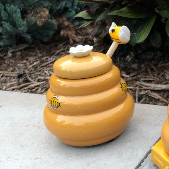 Other - Beehive honey pot with wood dipper